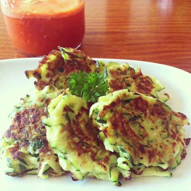 slimbliss - Fresh carrot and ginger juice teamed with zucchini fritters