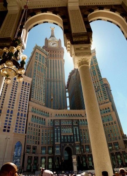 abraj al bayt makkah tul mukkaramah the world the east pinterest beautiful and mecca. Black Bedroom Furniture Sets. Home Design Ideas