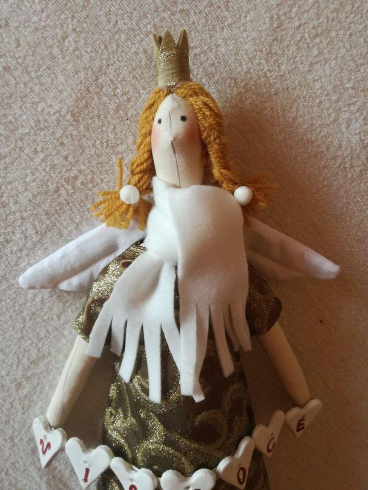 anjel s korunkou / Angel with a crown