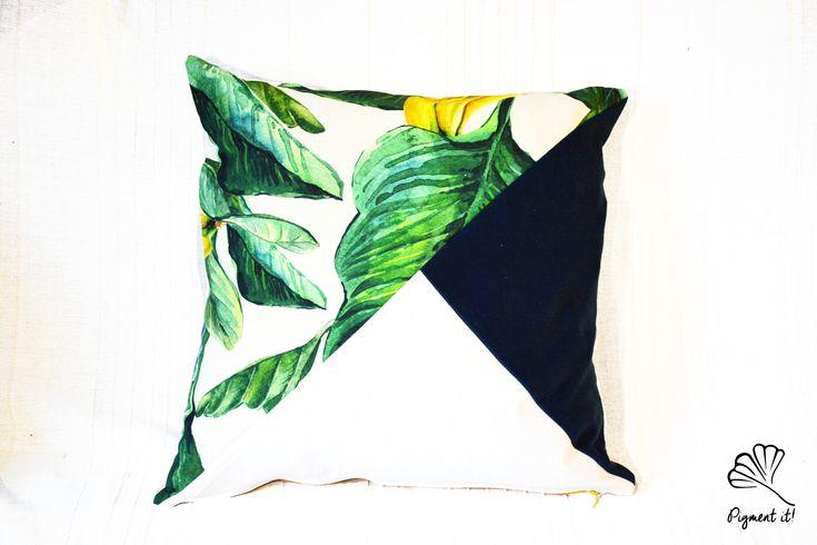 Housse, Coussin - Bananier - banana leaf- Pillows - Tropical - de la boutique Pigment it! sur Etsy