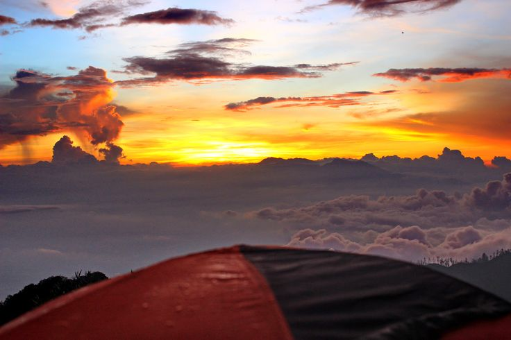 Sunset behind Argopuro , Camp 7 - Raung