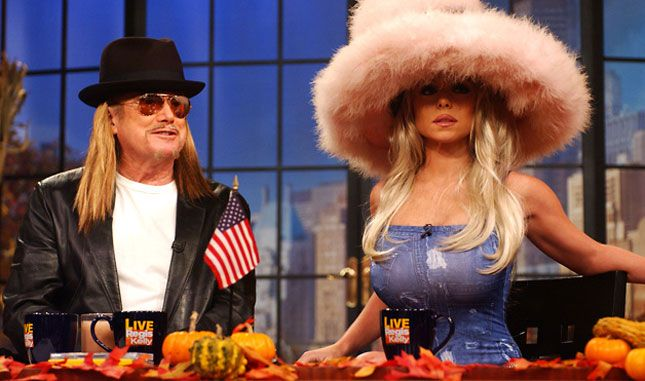 Regis and Kelly as Kid Rock and Pam Anderson hahahaah || 20 of Our Favorite Celebrity Halloween Costumes via Brit + Co.