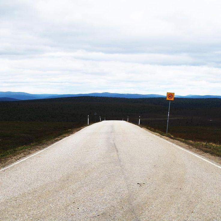 Photo by Saariselän Sanomat www.saariselansanomat.fi Road on top of the fell Kaunispää, Saariselkä, Finnish Lapland. Ajelulla tunturissa #kaunispää #saariselkä #lappifani #tunturiin #lapinkesä #viileää #virkistävää