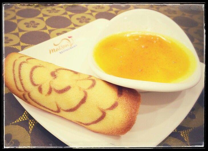 Egg cream with red sugar by #MaisonViehanoi Restaurant ♡♥♡♥