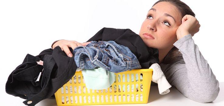 1. Изделия из искусственных шёлковых тканей нельзя сразу, без пробы, чистить такими средствами, как ацетон, перекись водорода, щавелевая, уксусная и лимонная кислота.2. Пятна на изделиях из...