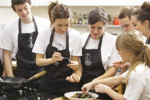 Win a free evening cookery class at Lynda Booth's Dublin Cookery School - http://www.competitions.ie/competition/win-a-free-evening-cookery-class-at-lynda-booths-dublin-cookery-school/