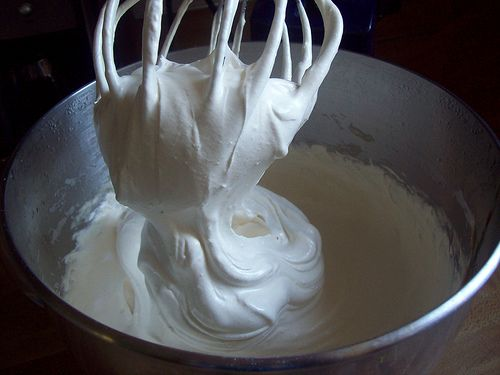 Simple Meringue Frosting~ Refined Sugar Free | Health, Home, & Happiness (tm)
