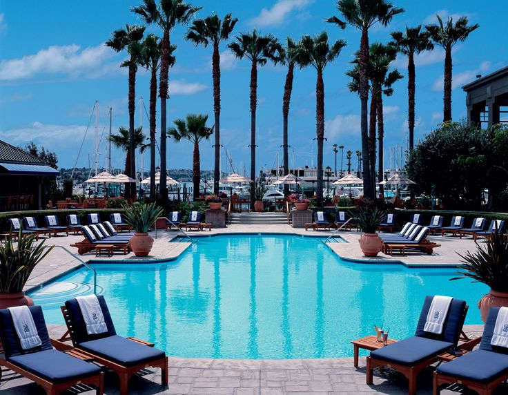 Perched on one of the world's largest man made marinas, it feels like summer year-round at The Ritz-Carlton, Marina del Rey.