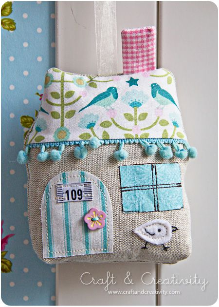 applique house with number (personalise)