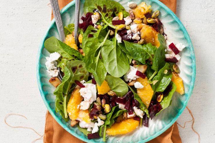 Week 1: recept spinazie-bietensalade met feta en sinaasappel