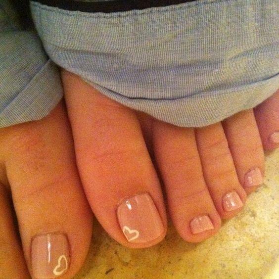 Mini Heart Toe Nail Design: