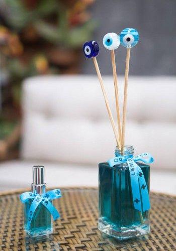 Os odores,marcam a nossa memória e, quando acionados, desencadeiam uma série de sensações e recordações. O aroma também nos faz associar a sonhos e sedução e podemos utilizá-lo para nos comunicar e mostrar o nosso estilo. Nos dias de hoje, isso também é utilizado para comunicar o estilo de uma marca ou produto. Assim nasceu o Marketing Olfativo e Gifts, que busca trazer fragrâncias que causam bem estar nas pessoas. Tel: (11) 96399- 7270 | (11) 96479-7270 E-mail: orcamento@artesbyluruiz.com