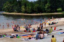 Jeśli szukasz wspaniałego Domki w Górach Nad Jeziorem w Polsce, we właściwym miejscu wypoczynku na Złoty Potok Resort. Oferujemy Państwu różne obiekty oraz działania na prawdziwego kosztu.