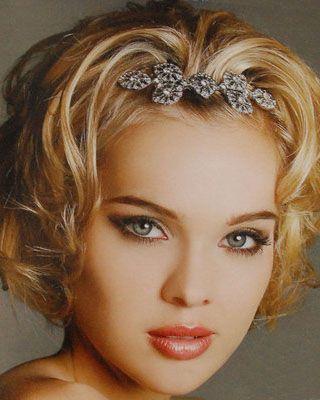 http://www.noviosfelices.com/peinados-novias-pelo-corto/9-peinados-novias-pelo-corto.jpg