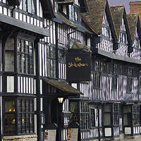 Best Ghost Walks and Haunted Places in the UK. Afticle