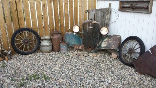 1934 Chevrolet yard art with working lights
