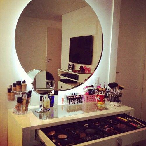 We it makeup desk makeup storage pinterest small for Sillas para vanity
