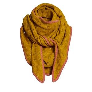 SUPERSOFT scarf, curry. The season's softest scarf. Knitted with a beautiful leaf pattern and glitter hem, making it feminine and flattering. Shaped as a large triangle and made in sustainable wool from our Italian supplier.