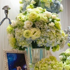 Design by SaoMys Flower: #weddingdecoration #flower #white #blue #green #Novotelhotel #HoChiMinhcity #VietNam