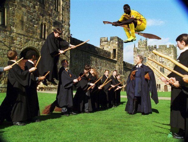 Mario Balotelli lata na miotle w Harrym Potterze • Zabawne Memy z Balo • Piłkarz Liverpoolu wśród magików • Wejdź i zobacz więcej >>