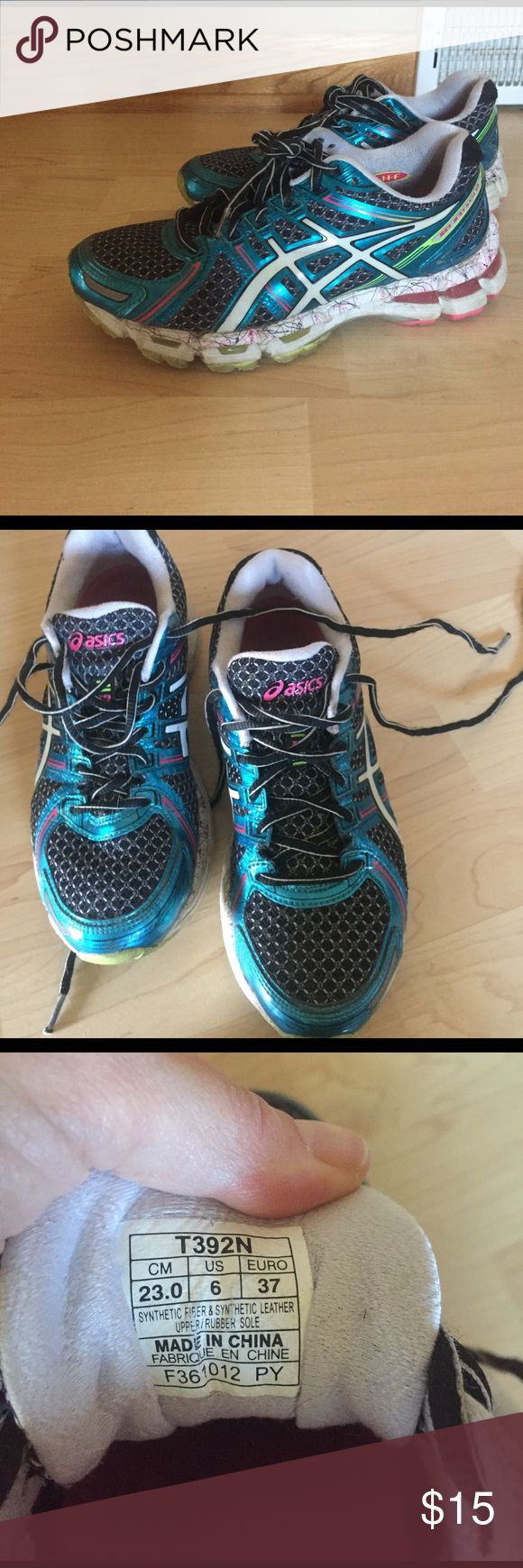 Asics gel kayano 19 running shoe Asics gel kayano 19 running shoe. Loved but respect. There are quite few miles left in them. I am a narrow 6- 5.5. I needed a tighter shoe. Otherwise a good running shoe for a 6 medium Asics Shoes Sneakers