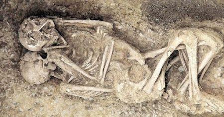 Casal homossexual mais velho do mundo é encontrado em antigas ruínas da cidade de Sodoma e Gomorra