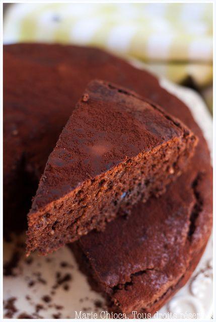 Qu'est ce qu'on va faire de toutes ces courgettes… Un gâteau au chocolat ? Chiche. - Saines Gourmandises... par Marie Chioca