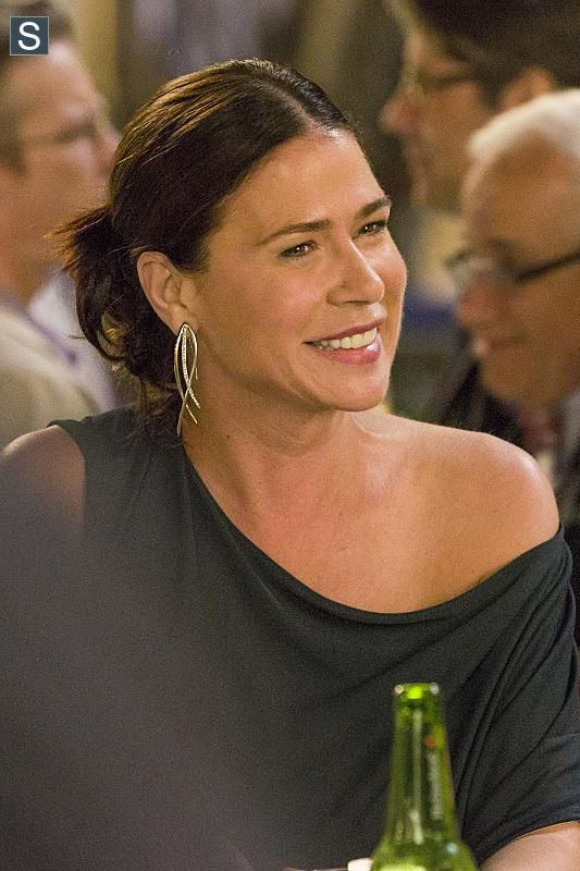 Maura Tierney as Helen Solloway – great earrings throughout the series