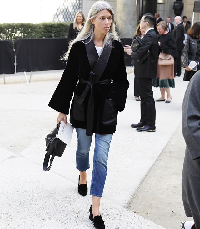Outside the shows. Fashion Features Director British Vogue, Sarah Harris #pfw - by @leeoliveira