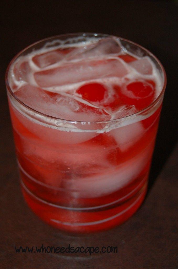 Sweet Manhattan Fizz Cocktail whoneedsacape.com #cocktailrecipes #manhattanrecipes