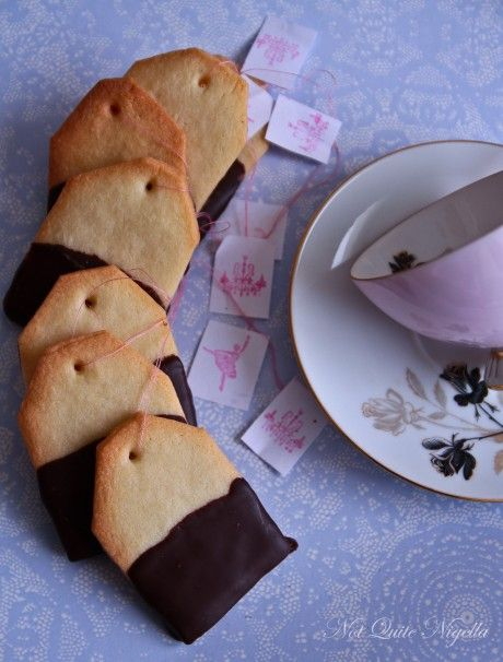 Tea Bag Cookies @ Not Quite Nigella. With recipe and easy instructions. Would make a nice gift for a high tea!