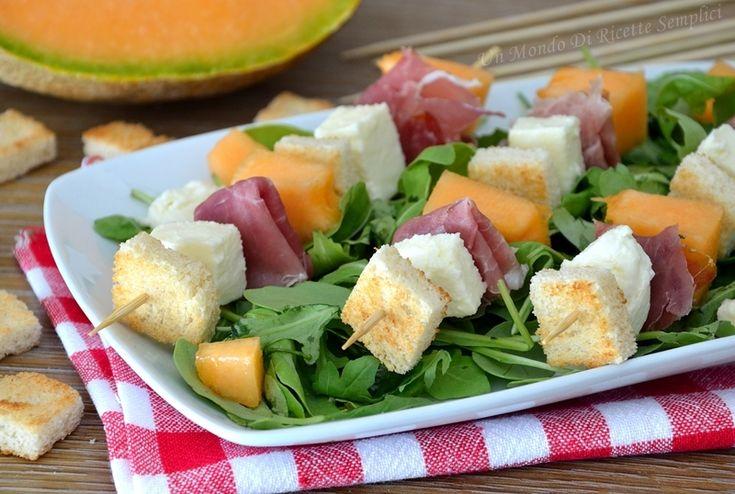 spiedini di crudo e melone