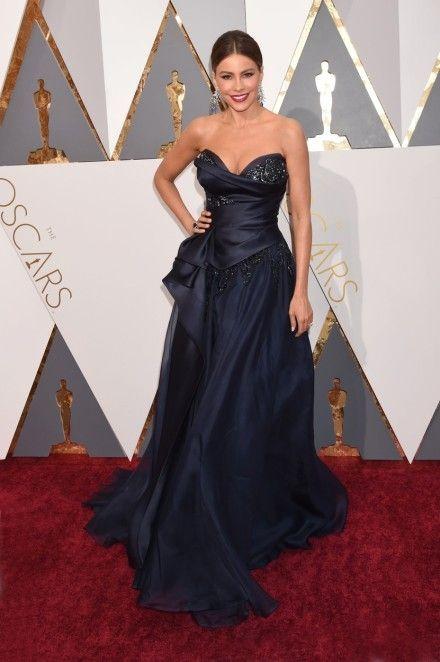Nejlepší móda na Oscarech 2016 -  Sofie Vergara v róbě Marchesa