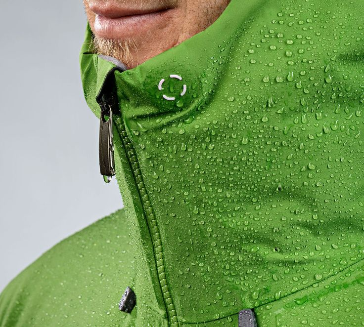 BD Sharp End Jacket with Cohaesive Cordlock technology