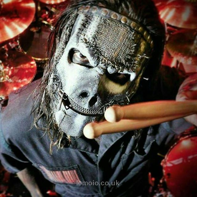 Download every Slipknot track @ http://www.iomoio.co.uk