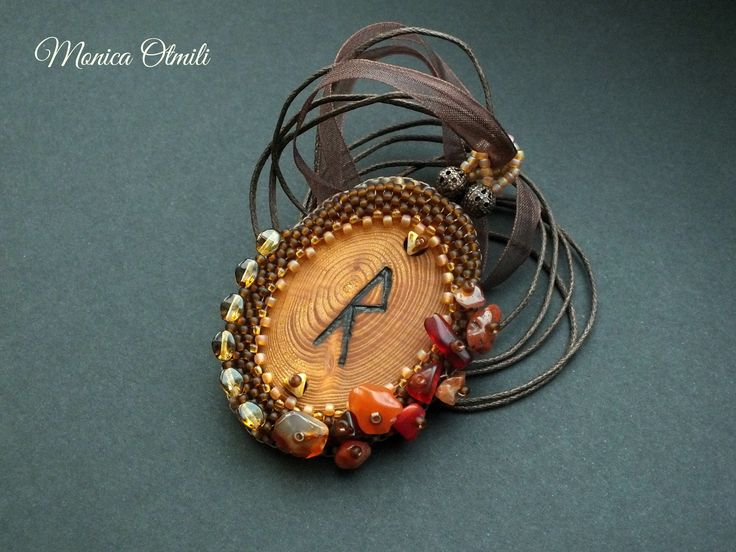 Raido - pendant of Runatál collection by Monica Otmili