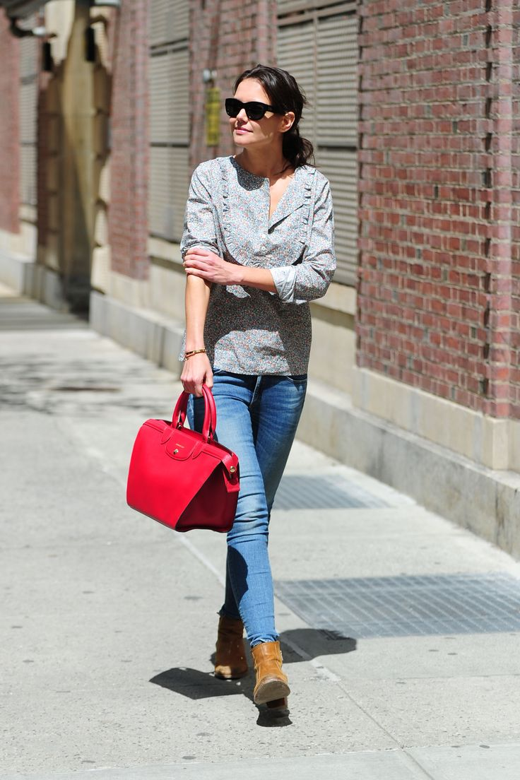 Katie Holmes was spotted wearing the brand new Le Pliage® Héritage from the Longchamp Autumn 2014 collection.