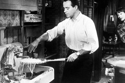 Jack Lemmon and Shirley MacLaine, in the unforgettable sequence Spaghetti film The Apartment, Billy Wilder