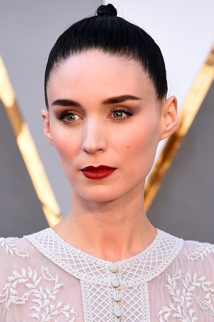 DIY Rooney Mara's Gorgeous Grunge Chanel Makeup Look From the Oscars