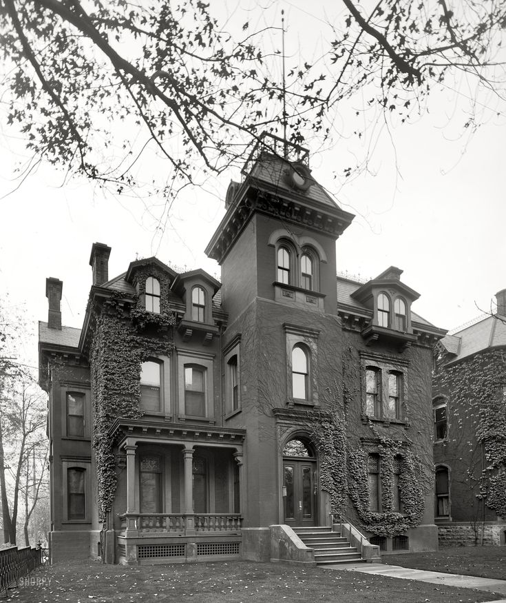 I'd love to live in/have a home like this! (Shorpy Historical Photo Archive :: American Gothic: 1905)