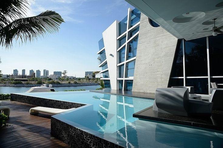 Casa Gomez by Sostudio / Sergio Orduña Architects | HomeAdore - Click photo for more exterior & interior pictures.