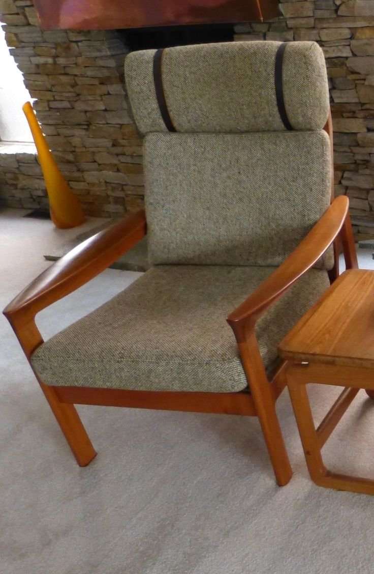 1980s Teak and Tweed/Leather straps Lounge Chair - front view