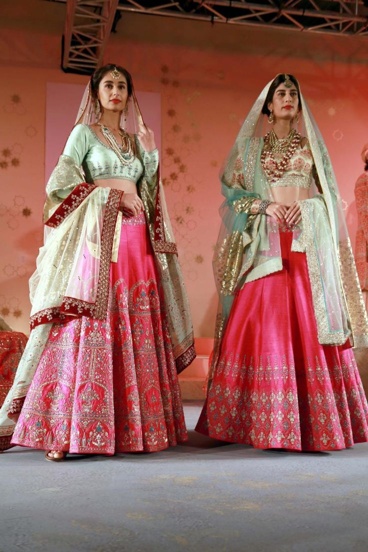 010815 New Delhi Amazon India Couture Week 2015