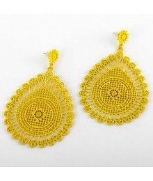 Boheemse look geel hangend oorbellen met bloemen design en vlinder slotje