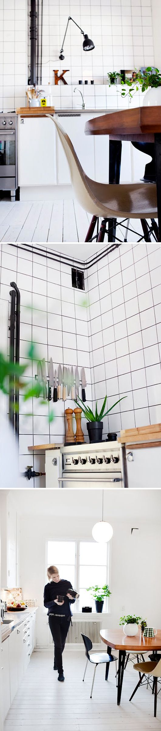 Here they are again; the characteristic door handles: http://www.byggfabriken.com/sortiment/beslag/knoppar-och-handtag/info/produkter/584-421-skaapregel/