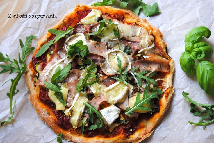 Pizza z cukinią, szynką szwarcwaldzką i kozim serem | Z miłości do gotowania