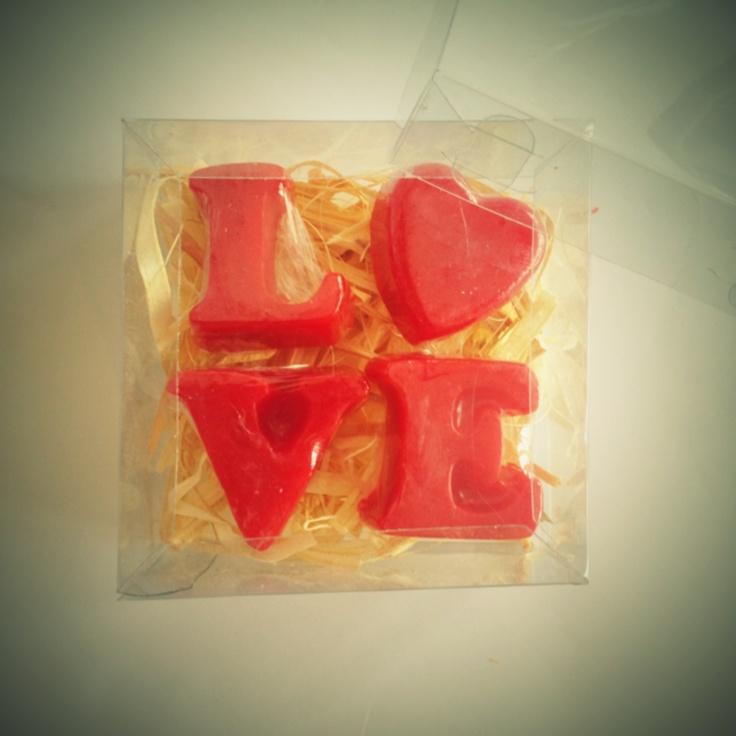 Set 4 mini jabones love para san Valentín $35