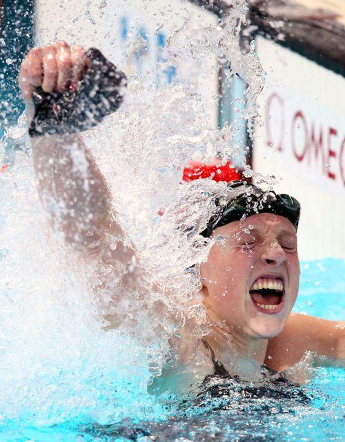 競泳アメリカ代表のケイティ・レデッキーは 2015 世界選手権で 4 冠を達成した今注目の水泳選手!リオデジャネイロオリンピック・リオ五輪2016