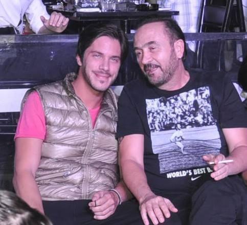 Nikos Oikonomopoulos & Gonidis - Greek Singers