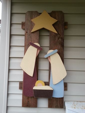 Nativity made from a picket fence. So cute but would have to make my own pattern.